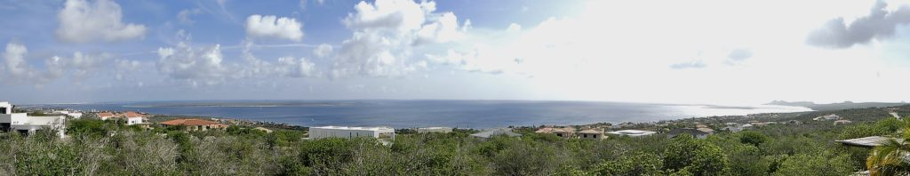 Limitless view over Klein Bonaire and shoreline