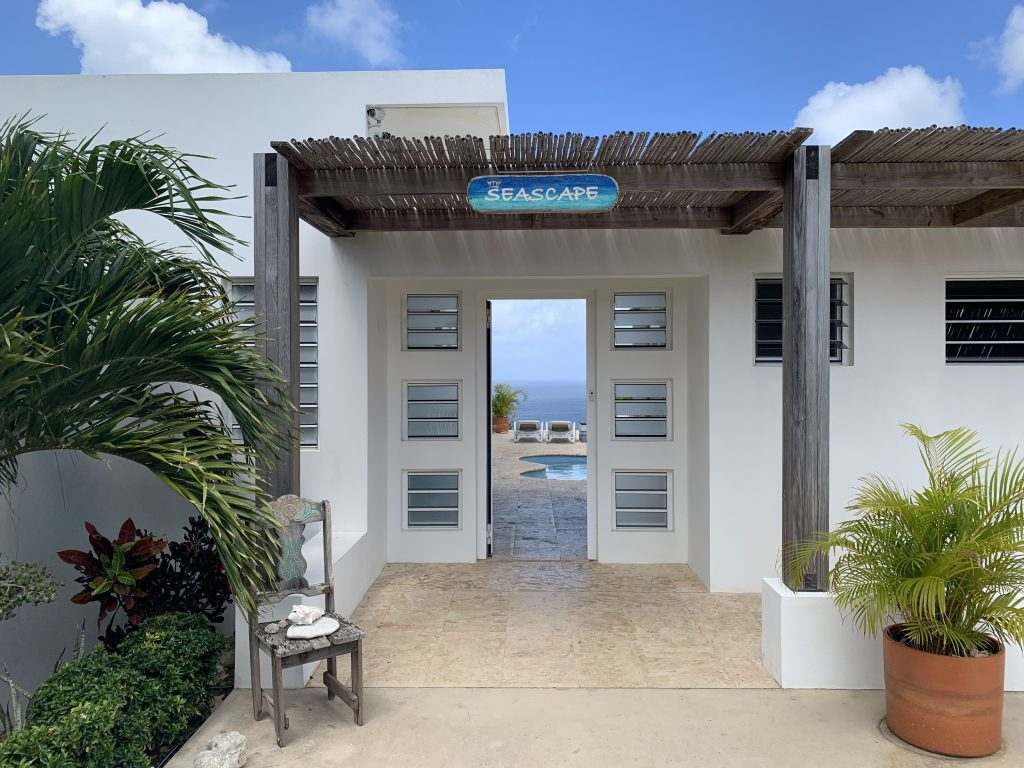 Open the front door and be amazed by the view of the island and the sea